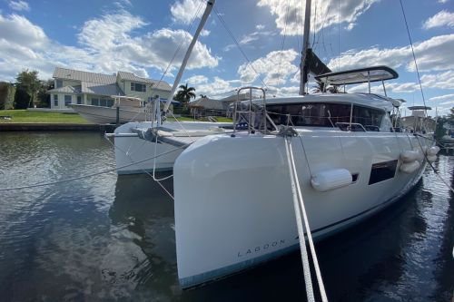 Just Sold: 2018 Lagoon 42